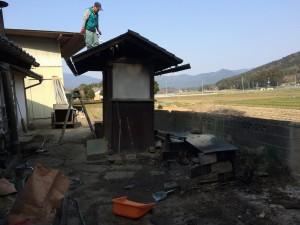 20150320_外トイレ壊し